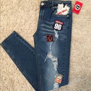 NWT Hot Kiss Distressed Patched Jeans Skinny Lily